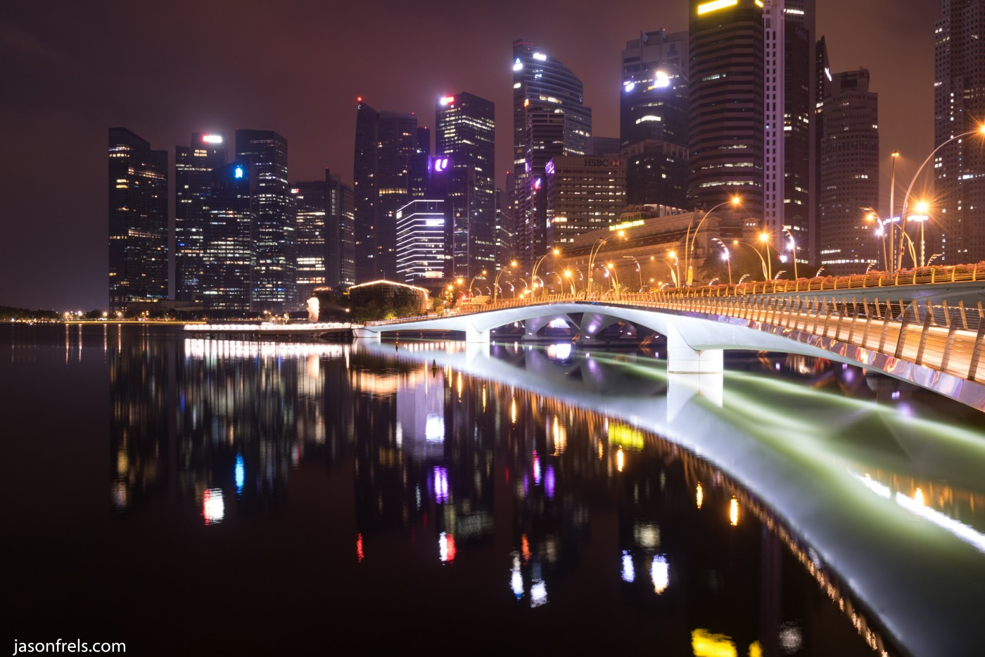 Singapore Jubilee bridge at night