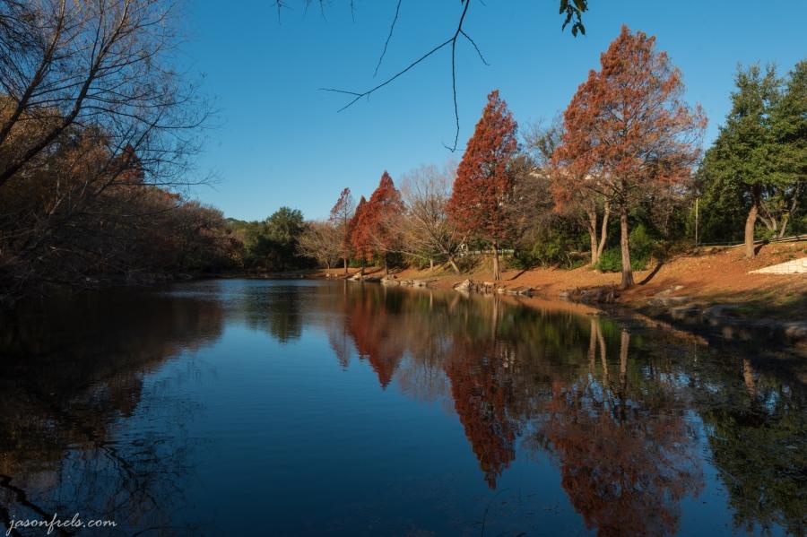 Autumn_pond_no_polarizer