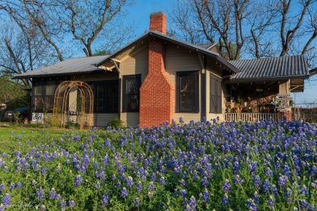 Leander-bluebonnets-antique-house-3