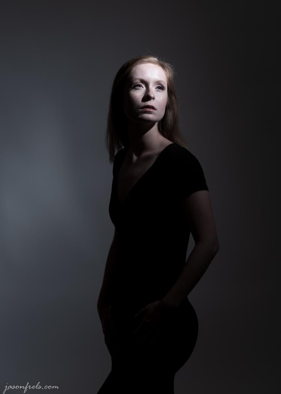 Model-harsh-lighting